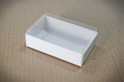 Коробка для цукерок 95х60х30 з прозорою кришкою Біла