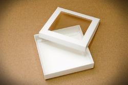 """Коробка для печива, пряників з віконцем 150х150х30 мм крейдований картон """"кришка-дно"""""""