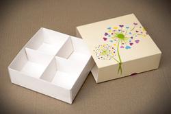 Универсальна коробка Сердечки 160х160х55 мм для печенья, зефира, конфет, макаронсов и прочего, тип пенал с ложементом