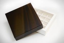 Коробка для цукерок 185х185х42 на 16 штук №4 Шоколадний фон