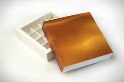 Коробка для конфет 185х185х42 на 16 штук №4 Золотой фон