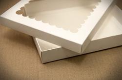 """Коробка для печива, пряників з віконцем 200х170х30 мм крейдований картон """"кришка-дно"""""""