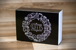 Коробка для макаронс 115х155х50 Чорна (на 12 шт)