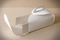 Коробка Лепесток №2 для тортов, чизкейков, пирожных 210*110*120мм белый