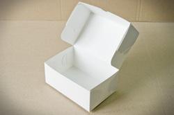 Коробка-контейнер для тортов, чизкейков, пирожных 180*120*80  мм белый