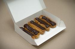 Коробка для еклеров, зефира, печенья и прочих десертов 230*150*60 мм белый мелованный картон
