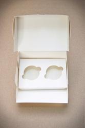 Упаковка на 2 кекса белая 180*120*80  мм