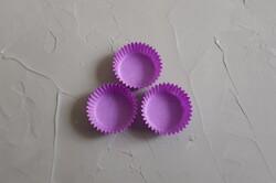 Форма для цукерок фіолетова 30х16 50шт.