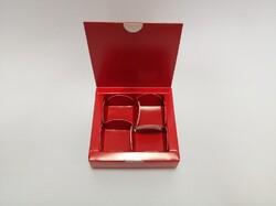 Коробка для конфет 112х112х30 на 4 штуки красная