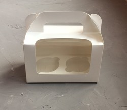Коробка на 2 кекса 175х105х80 с ручкой белая