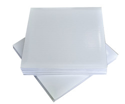 Поднос квадратный 35х35 см бел/бел