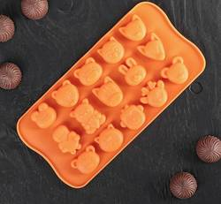 Форма силиконовая для конфет, льда Зверушки на планшетке