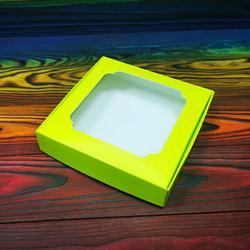 Коробка для солодощів з віконцем 150х150х30 мм салатова