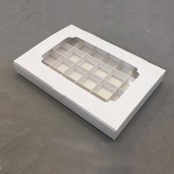 Коробка для цукерок 270х185х30 на 24 шт біла крейдована з вікном