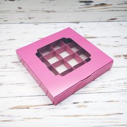 Коробка для цукерок 185х185х30 на 16 штук з вікном пильна троянда