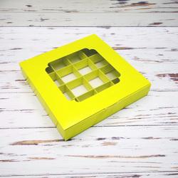 Коробка для цукерок 185х185х30 на 16 штук з вікном салатова