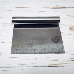 Шпатель металлический с линейкой 14 см №2