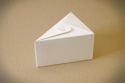 """Коробка 150х110х90 для кусочка торта, десертов """"Белая"""""""