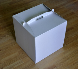 Коробка картонна для торта, розмір 30х30х40 см