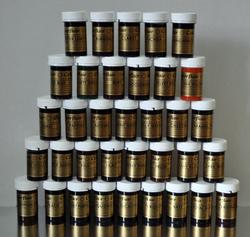 Палітра пастоподібних барвників SugarFlair з 35 кольорів.
