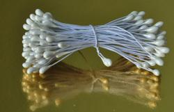 Тычинки для цветов двухсторонние на белой проволке белые